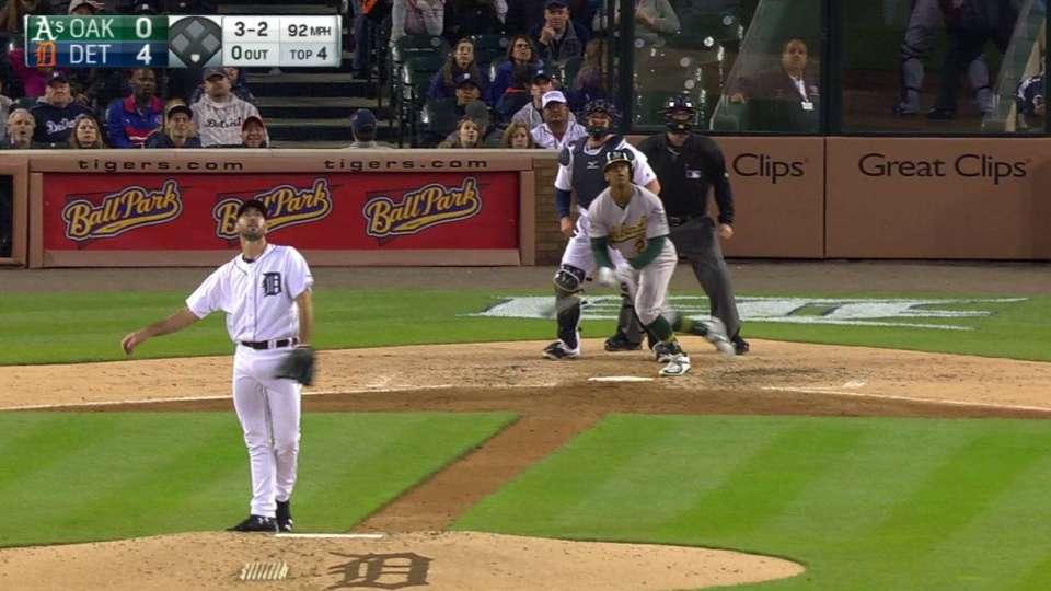 Davis' monster home run