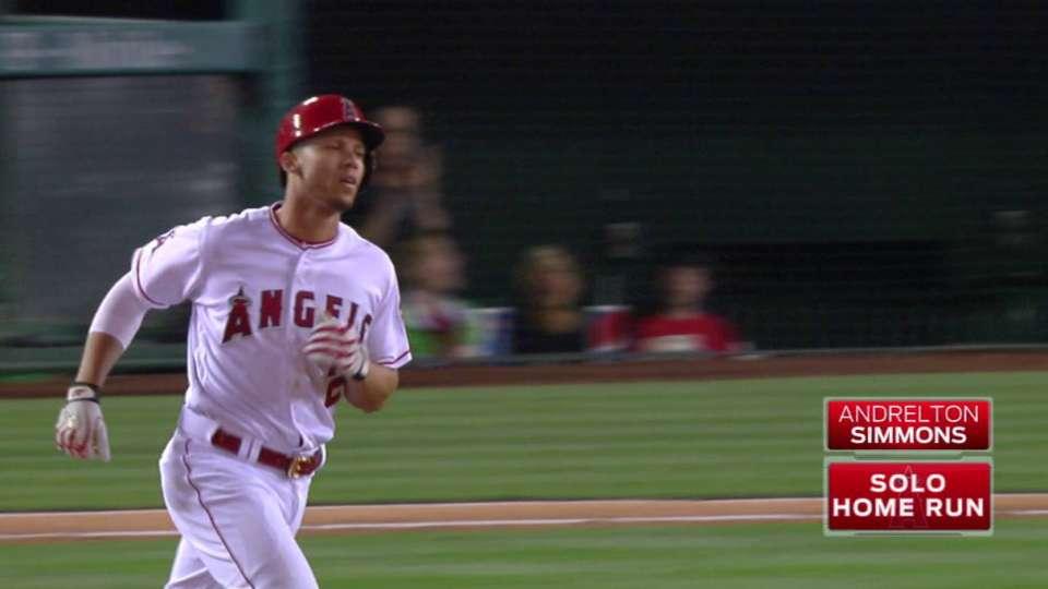 Simmons' solo home run