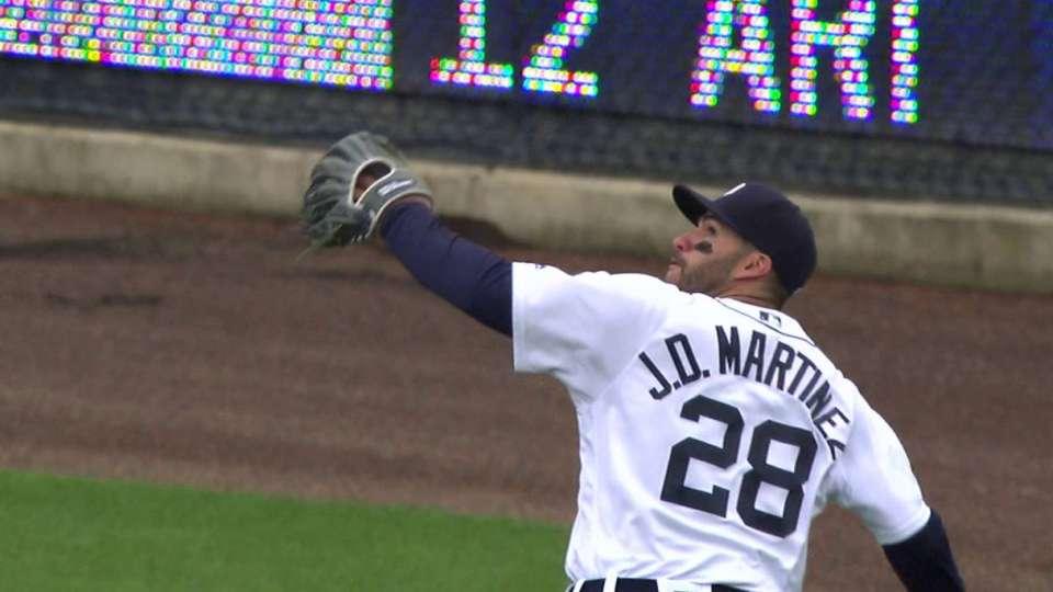 J.D. Martinez's running grab