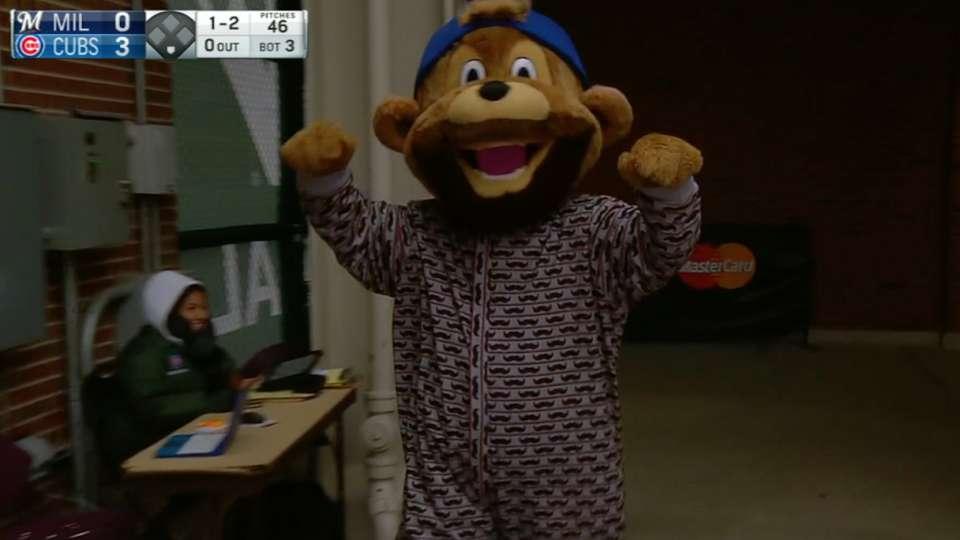 Cubs mascot becomes 'Bearrieta'