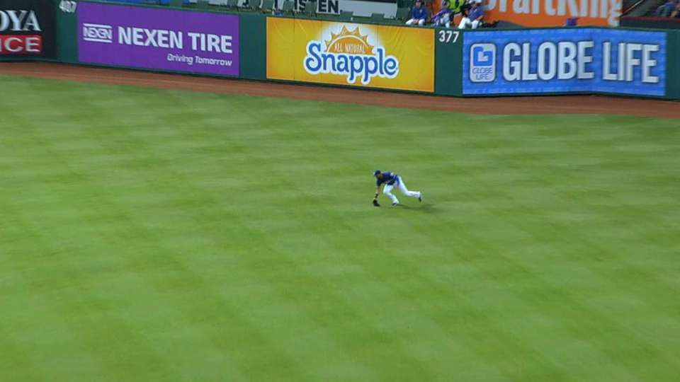 Mazara's shoestring catch
