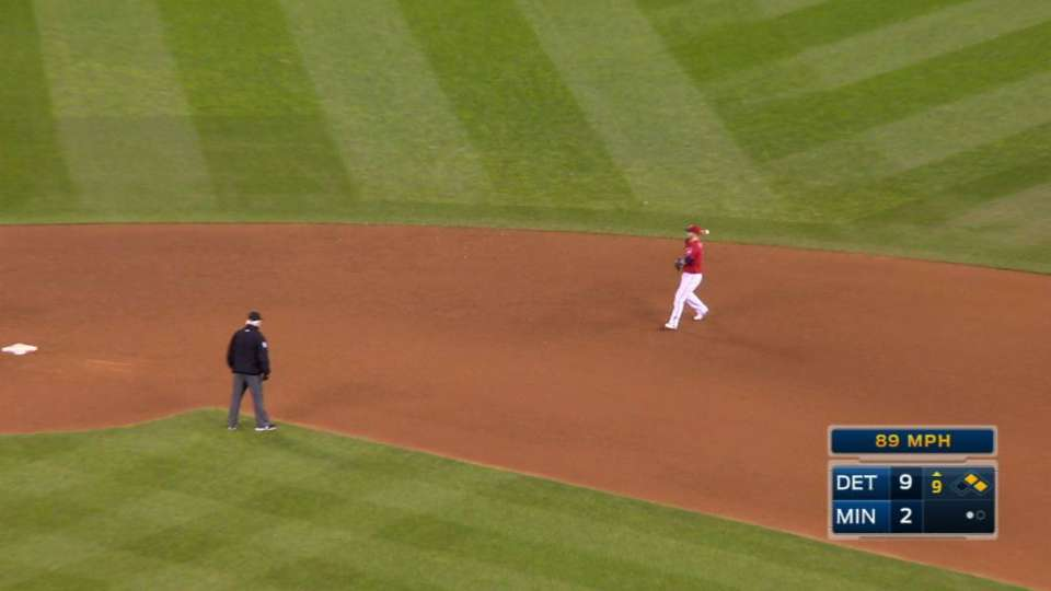 Dozier turns double play