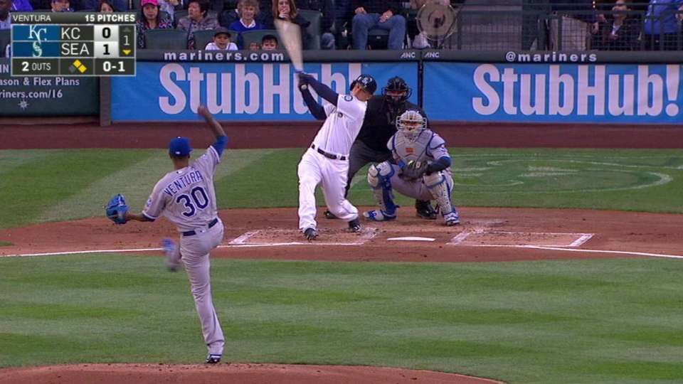 Seager's three-run homer