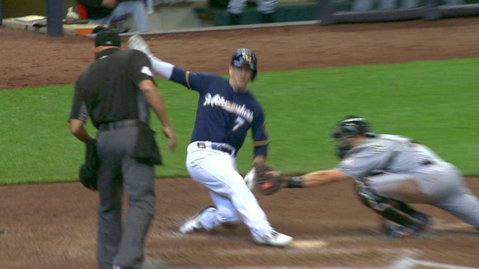 Ichiro throws out Walsh