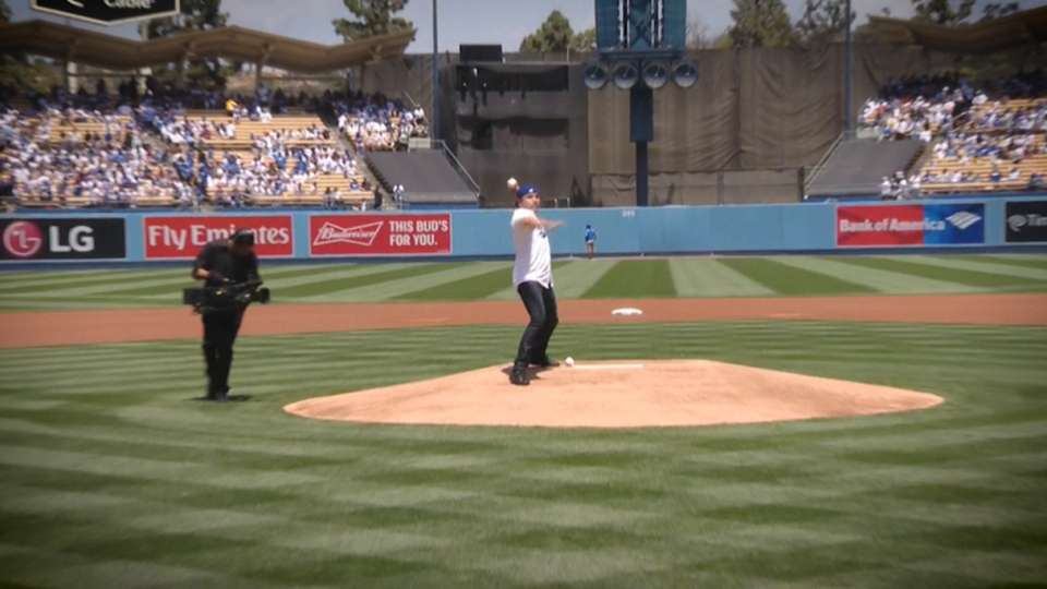 Oscar De La Hoya's First Pitch