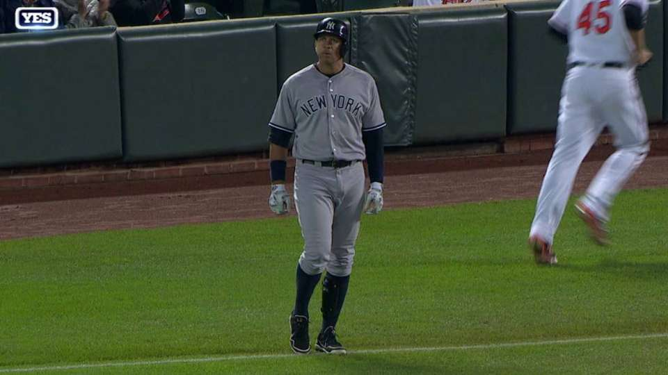 A-Rod leaves game with injury