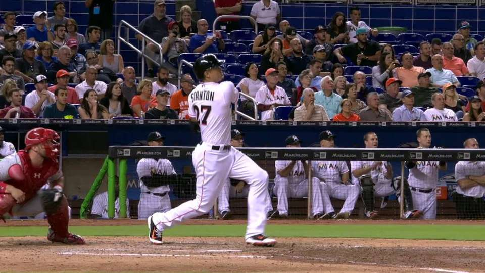 Stanton hits 475-foot home run