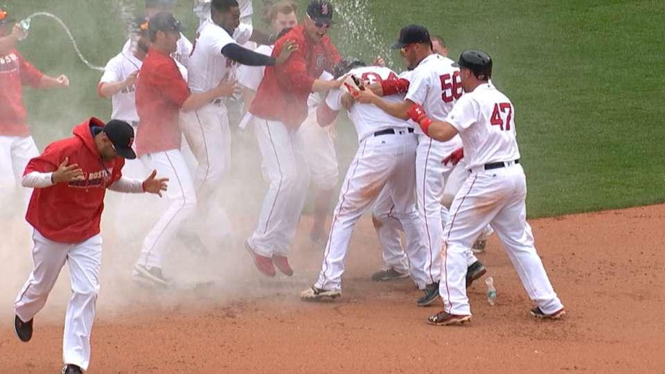 Ortiz carga Boston a victoria