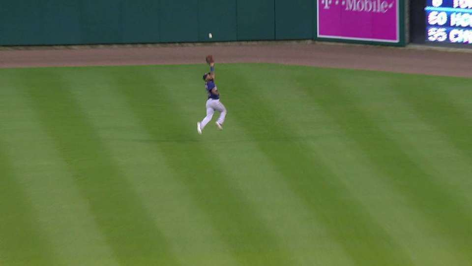 Santana's great running catch