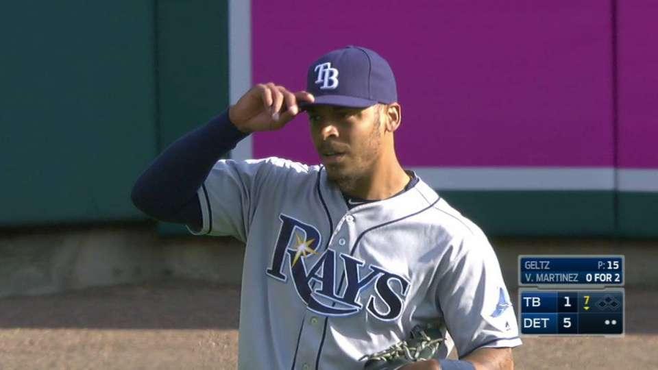 Jennings tracks down fly ball