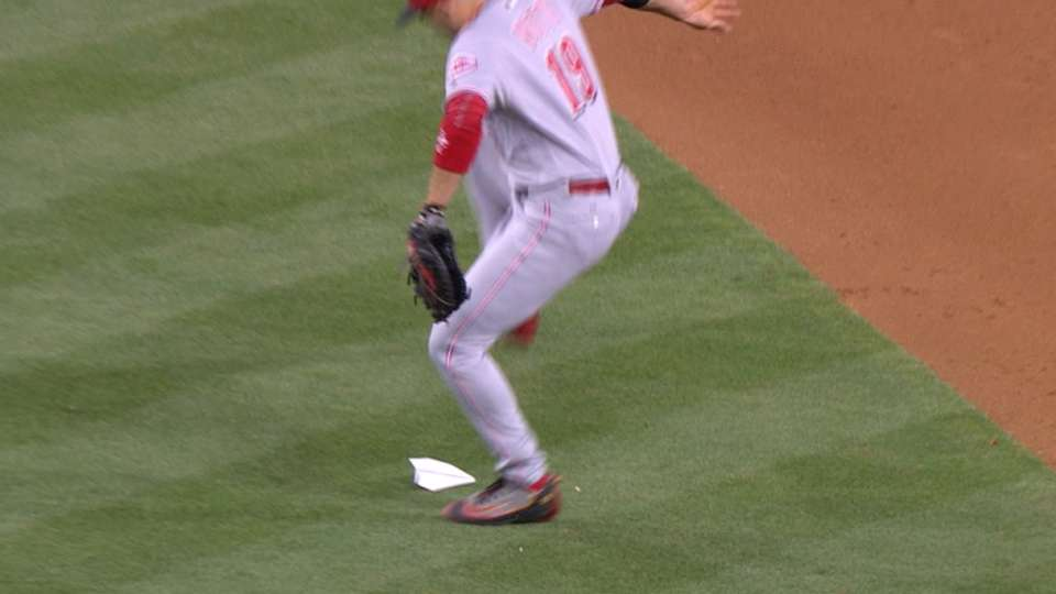 Votto stomps on paper airplane