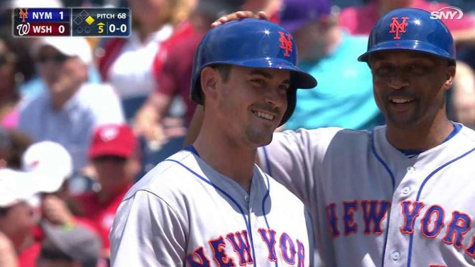 Reynolds' first MLB hit