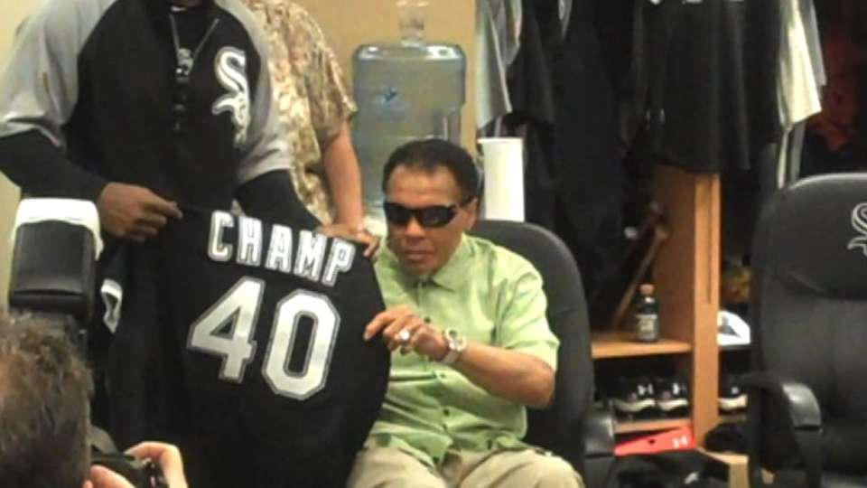 Ali visits with the White Sox