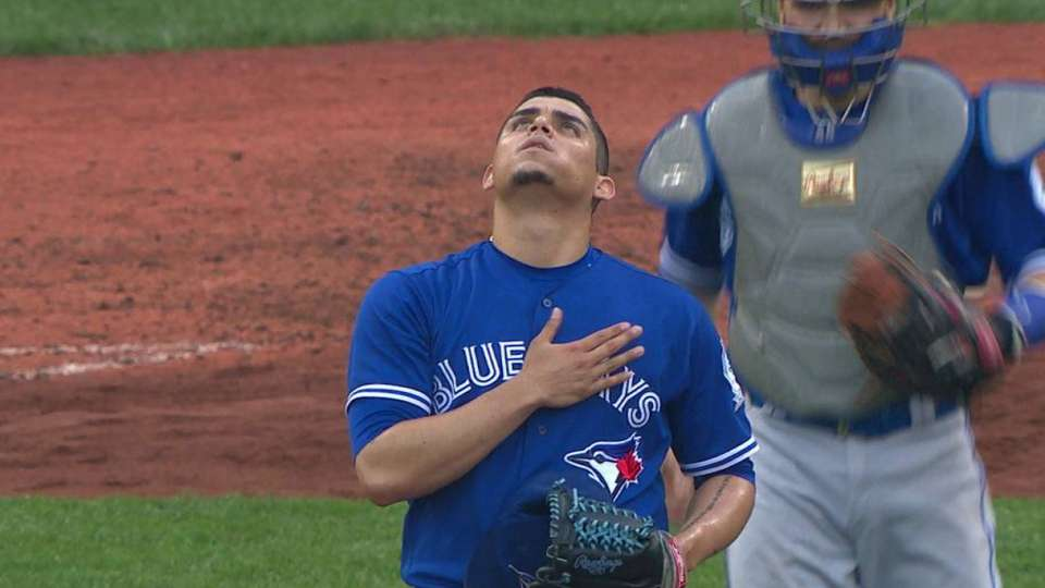 Osuna ends the game