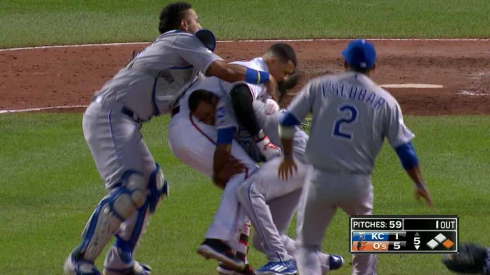 Benches clear on Machado's HBP