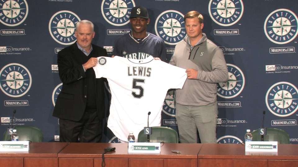 Lewis on signing with Mariners
