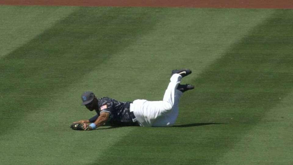 Kemp's diving catch