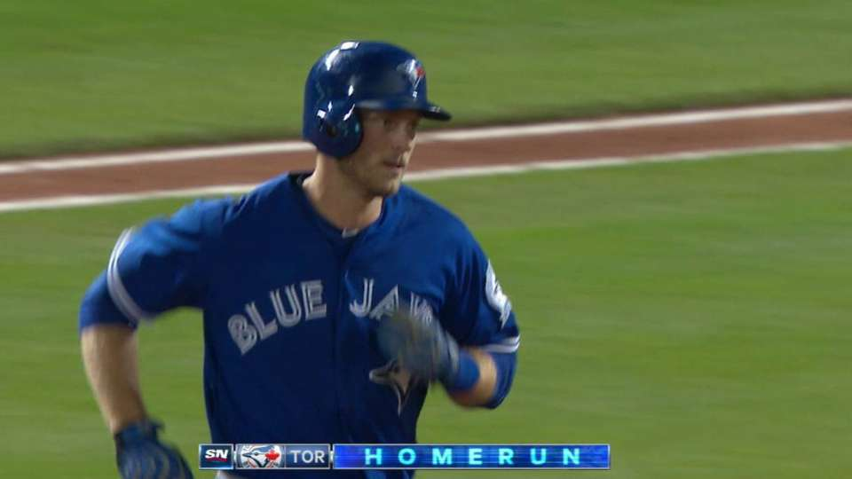 Saunders' third homer of the day