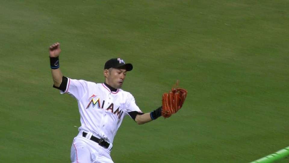 Ichiro's sliding catch