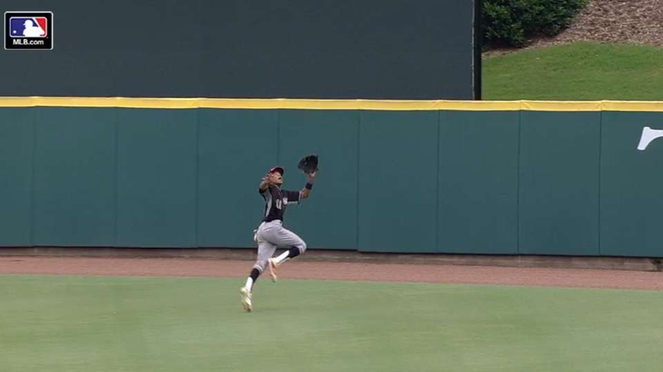 TOS: Holmes' catch deep in CF