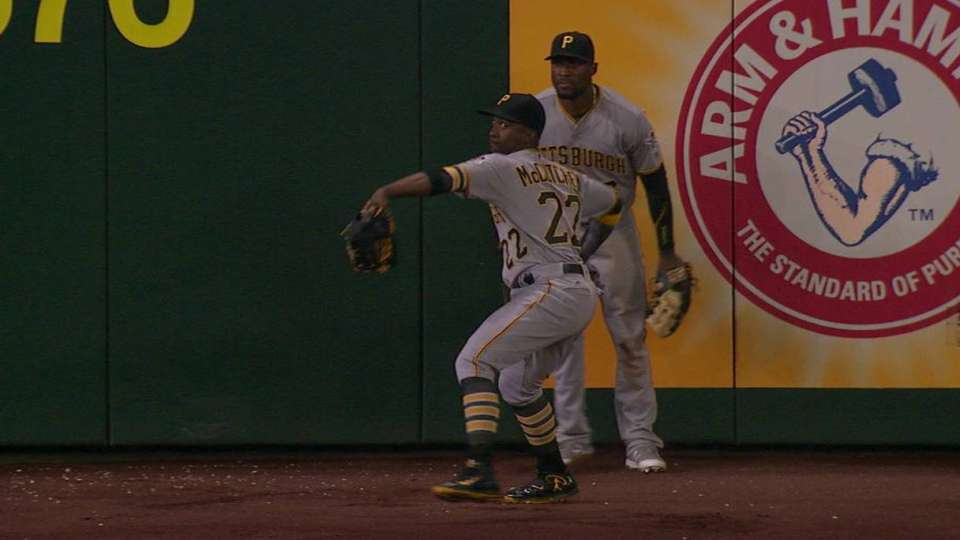 Pirates get Lee at home