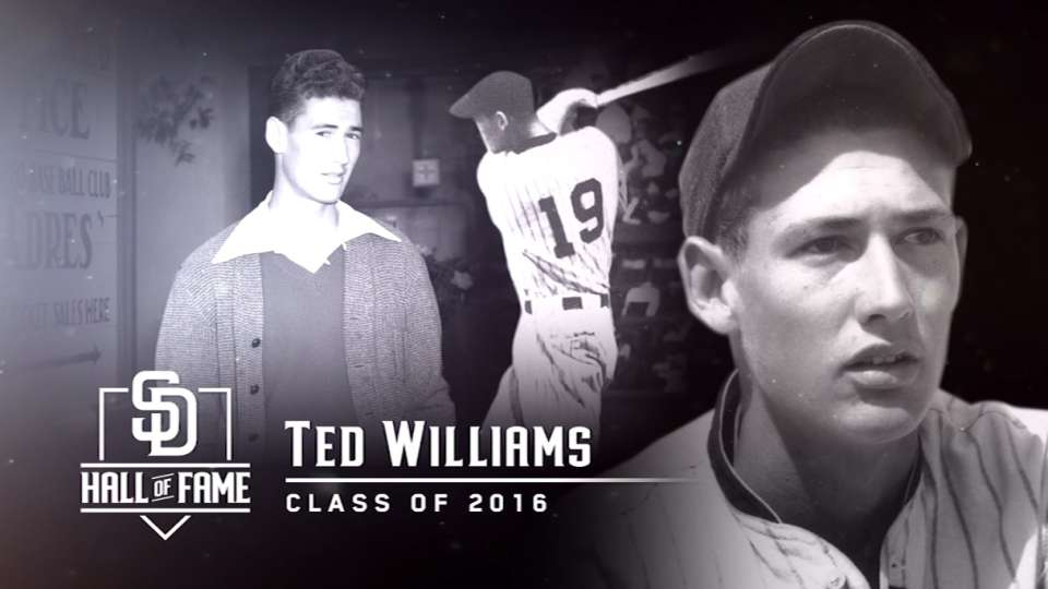Padres induct Williams into HOF