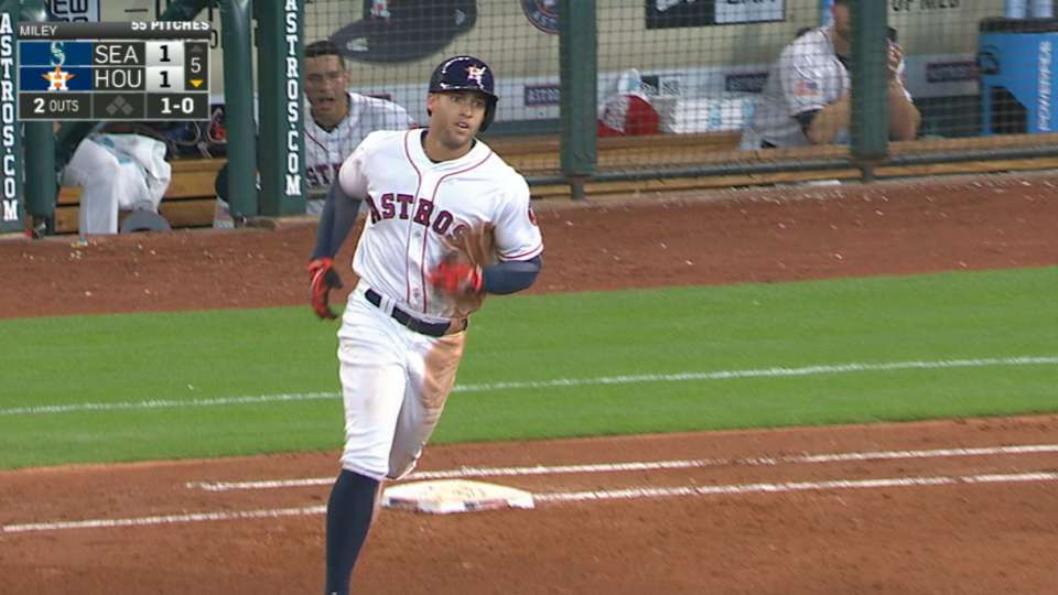 Springer le da ventaja a Houston