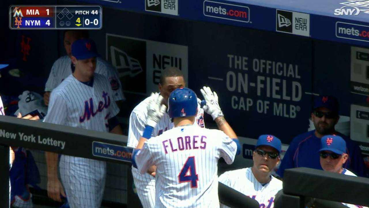 2e654acee14 Flores  2 HRs outweigh Stanton s blasts in Mets  win