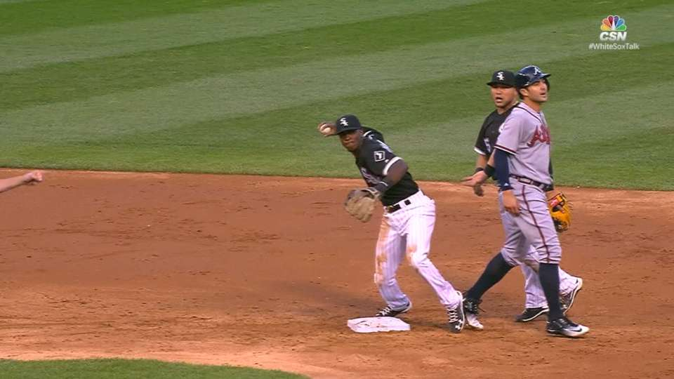 Sox inicia jugada triple play
