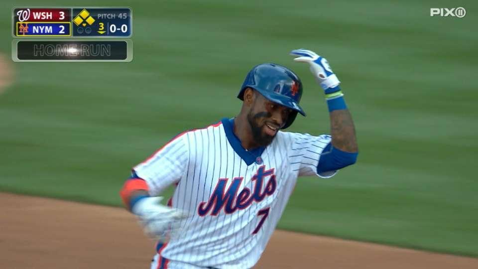 Reyes batea dos HR en el juego