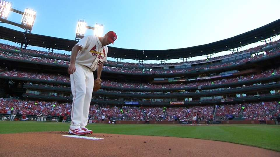 Wainwright dominates Marlins