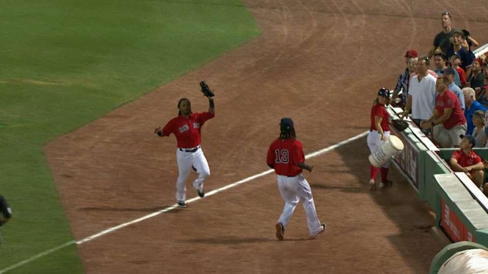 Martinez vuela y atrapa la bola