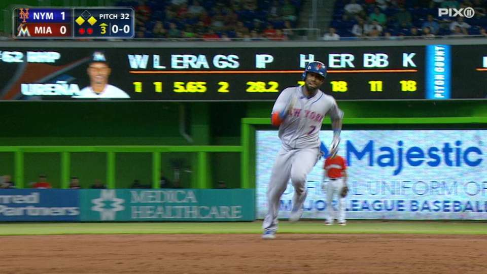 Reyes' RBI triple