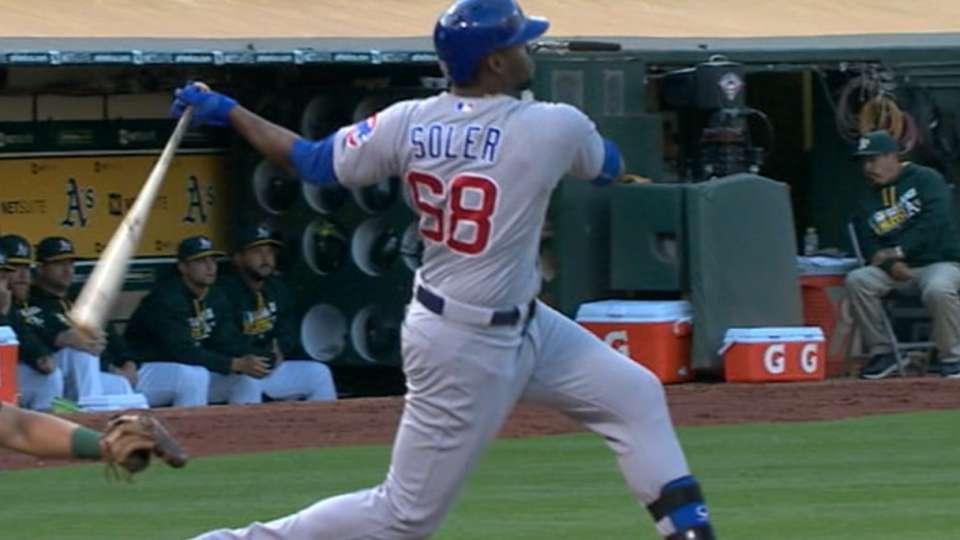 Soler pega HR de tres carreras