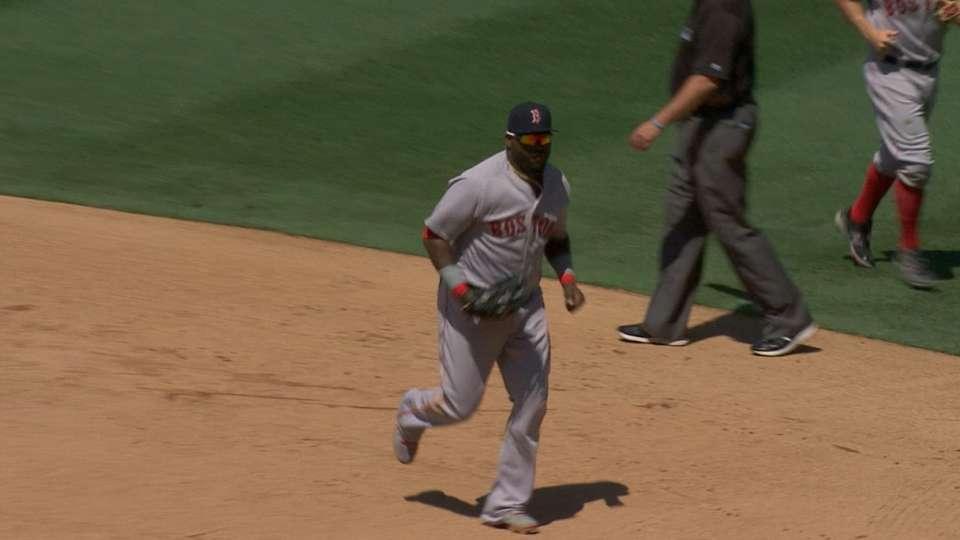 Ortiz brilla con el guante