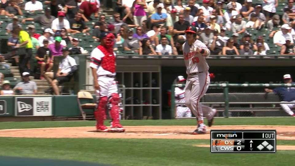 Machado's two-run big fly