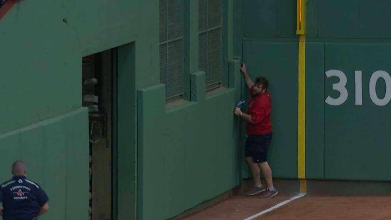 Red Sox leave garage door open & Garage door open at Fenway during Yankees-Red Sox | MLB.com