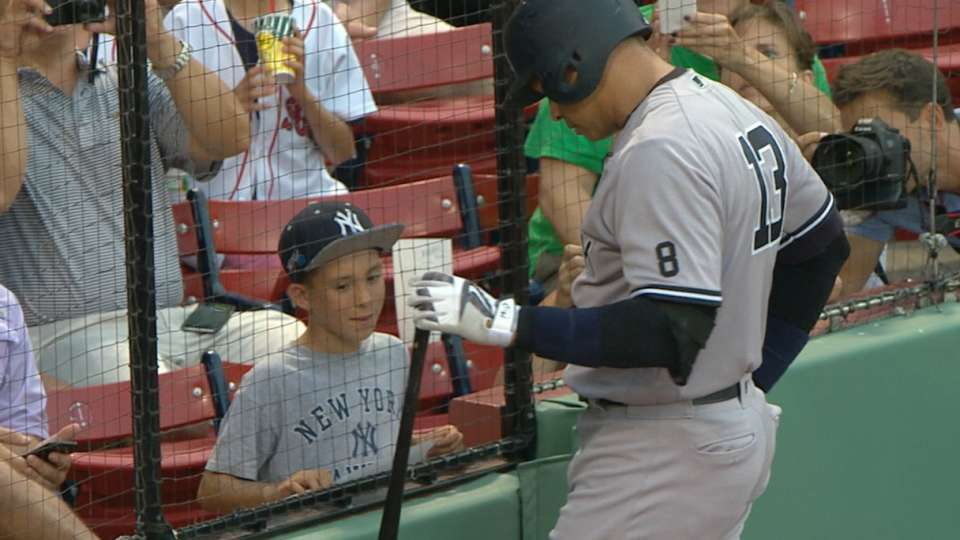 A-Rod chats with young fan