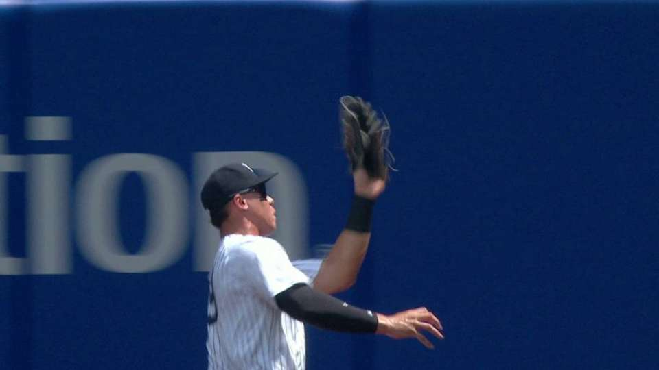 Judge makes a nice grab in right