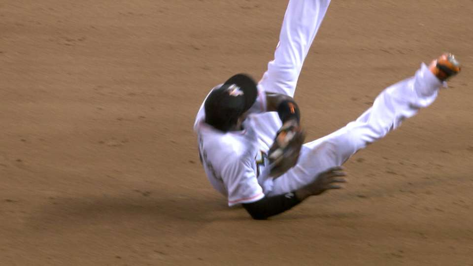 Hechavarria's diving catch