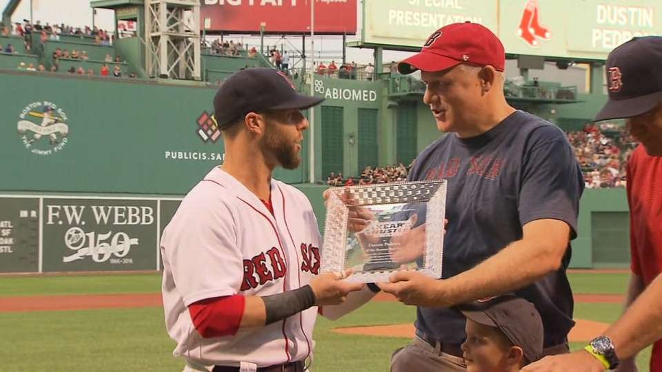Pedroia wins Heart and Hustle
