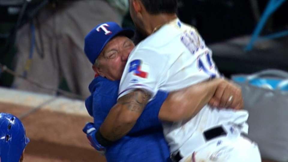 HR de Odor da victoria a Rangers