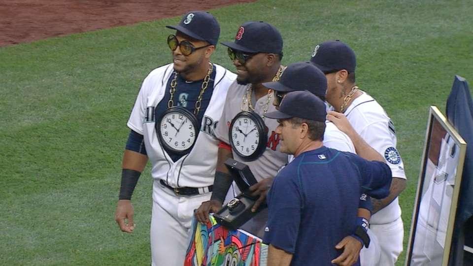 Ortiz honored pregame in Seattle