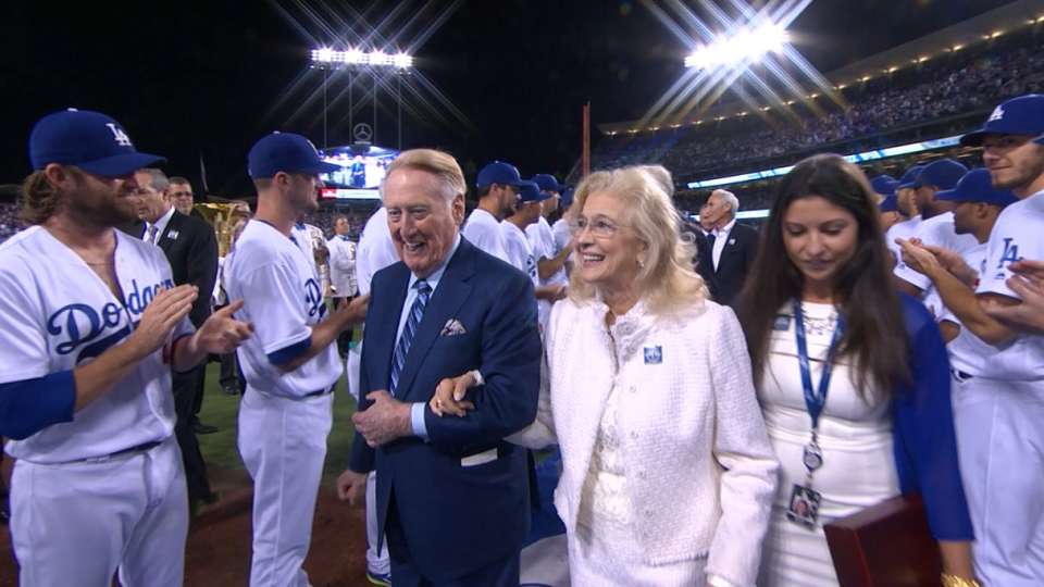 Scully honored at Dodger Stadium