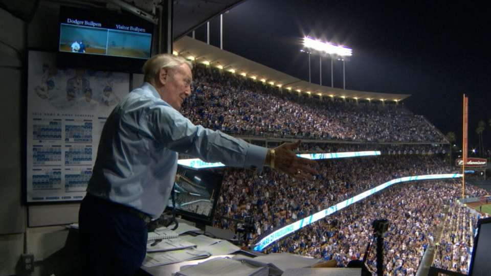 Scully sings during stretch