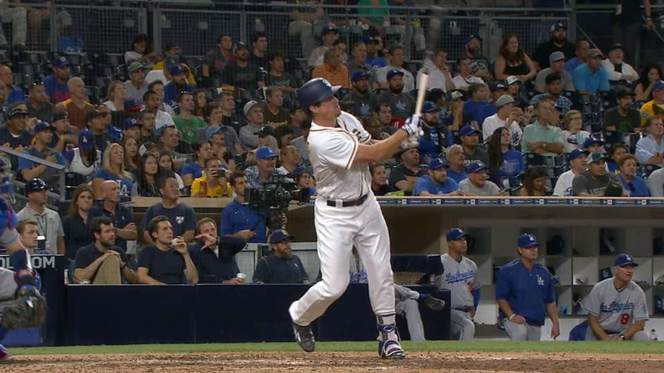 Renfroe pega su 1er grand slam