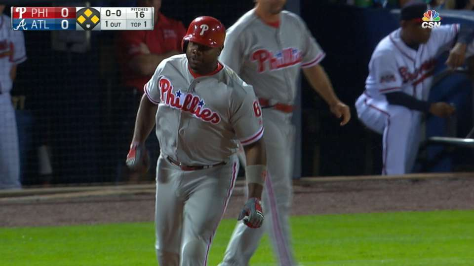 Ryan Howard pega grand slam