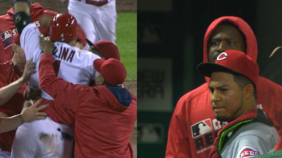 Must C: Cardinals win wild one