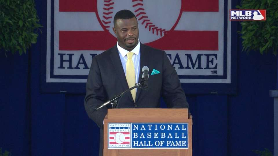 Griffey Jr. enters Hall of Fame