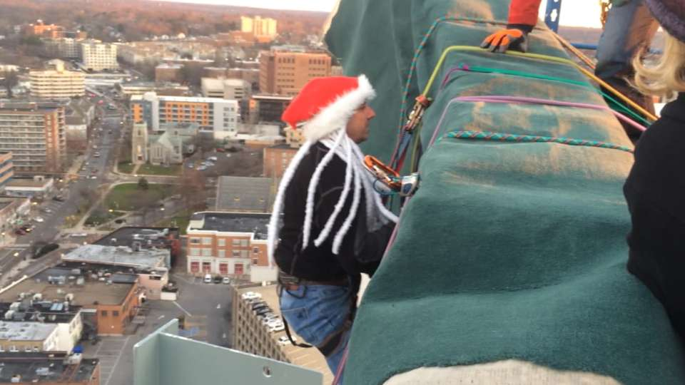 Cashman on annual holiday rappel